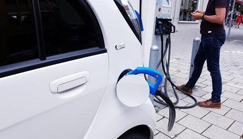 Elektrische auto's zijn de laatste jaren flink in populariteit gestegen