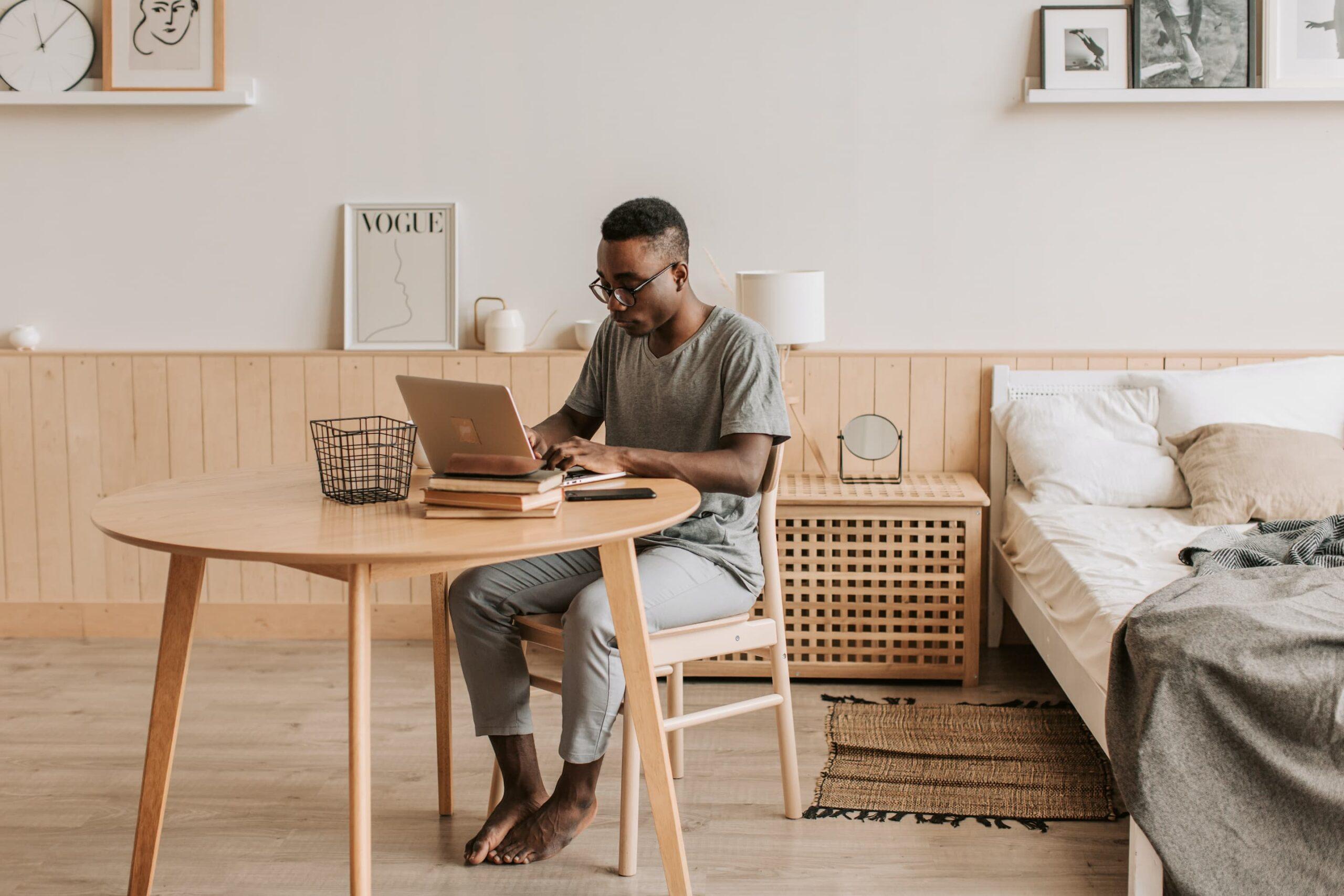 Een thuiskantoor opzetten met een beperkt budget