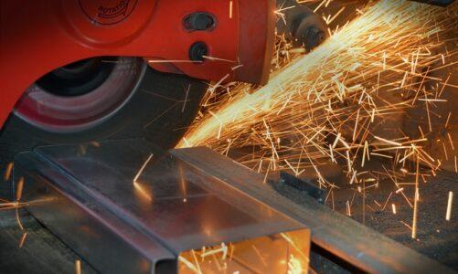 Het snijden van metaal: zo doe je dit gemakkelijk en veilig